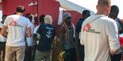 "Migranter ombord på räddningsfartyget ""Ocean Viking"" ANNE CHAON / AFP"