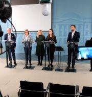 Arkivbild: Finlands regeringsföreträdare under en presskonferens om nya coronarestriktioner, 17 Mikko Stig / TT NYHETSBYRÅN
