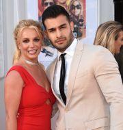 """Arkivbild: Britney Spears och Sam Ashgari vid premiären av """"Once Upon A Time in Hollywood"""" 2019.  Jordan Strauss / TT NYHETSBYRÅN"""