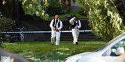 Poliser efter mordförsöket  Pontus Lundahl/TT / TT NYHETSBYRÅN