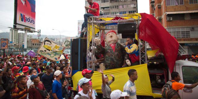 Stöddemonstration för president Nicolas Maduro.  Ariana Cubillos / TT / NTB Scanpix