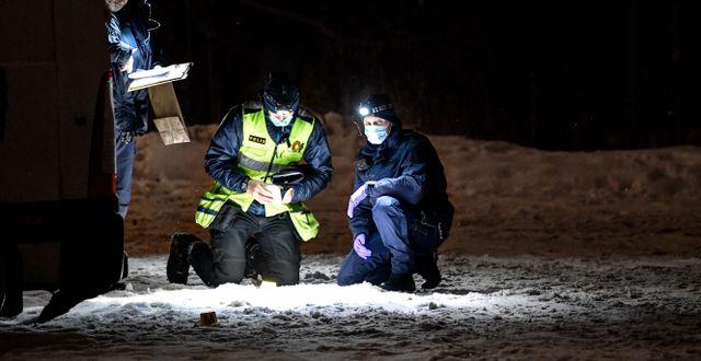 Tekniker på plats vid en dödsskjutning i Jakobsberg i januari 2019. Anders Wiklund/TT / TT NYHETSBYRÅN
