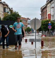 Centrala Wavre, två mil öster om Bryssel, är dränkt av vatten sedan ån La Dyle svämmar över av de senaste dagarnas regn Wiktor Nummelin / TT / TT NYHETSBYRÅN