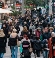 Människor på Malmös gator. Johan Nilsson/TT / TT NYHETSBYRÅN