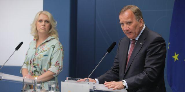Socialminister Lena Hallengren och statsminister Stefan Löfven.  Sören Andersson/TT / TT NYHETSBYRÅN