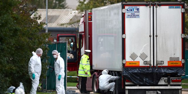 Lastbilen upptäcktes utanför London. Hannah Mckay / TT NYHETSBYRÅN