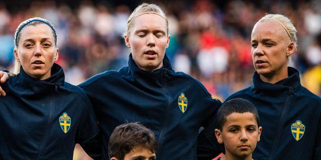 Linda Sembrant, Hedvig Lindahl och Caroline Seger. SIMON HASTEGÅRD / BILDBYRÅN