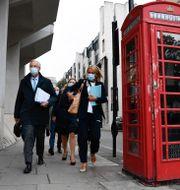 Barnier på väg till brittiska handelsdepartementet Alberto Pezzali / TT NYHETSBYRÅN