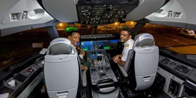 Ethiopian Airlines första flyg till Eritrea. Ethiopian Airlines