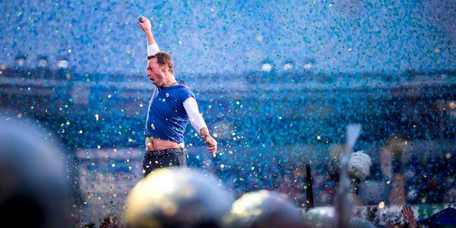 Chris Martin under en Coldplay-konsert på Ullevi 2017.  TT NYHETSBYRÅN
