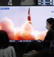 Tv-bilder visar Nordkoreas senaste provskjutning. Ahn Young-joon / TT NYHETSBYRÅN