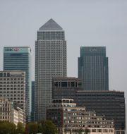 Bild från Londons finansdistrikt Canary Wharf  Matt Dunham / TT NYHETSBYRÅN