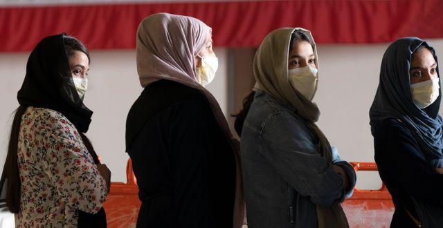 Kvinnor som evakuerats från Afghanistan. Giuseppe Distefano / TT NYHETSBYRÅN