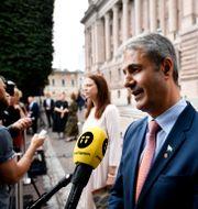 Ibrahim Baylan på dagens pressträff.  Ali Lorestani/TT / TT NYHETSBYRÅN