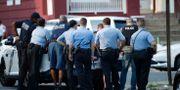Polisinsatsen är omfattande. Matt Rourke / TT NYHETSBYRÅN