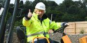 Boris Johnson besökte en byggarbetsplats i Dudley före talet. Jeremy Selwyn / TT NYHETSBYRÅN
