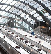 Tunnelbaneuppgången vid Canary Wharf, Londons finansdistrikt.  Victoria Jones / TT NYHETSBYRÅN