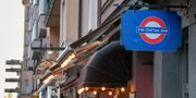 På söndagen kom beskedet att fem krogar i Stockholm tvingas stänga tillfälligt på grund av trängsel. Här The Central Bar och Charles Dickens på Södermalm. Jessica Gow/TT / TT NYHETSBYRÅN