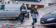 Polisen har genomfört husrannsakan hemma hos Wara och Bertheussen. NTB SCANPIX / TT NYHETSBYRÅN