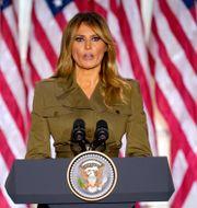 Melania Trump talar i natt. Evan Vucci / TT NYHETSBYRÅN