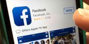Facebook har bett om ursäkt för hur Cambridge Analytica använde plattformen. Elise Amendola / TT / NTB Scanpix