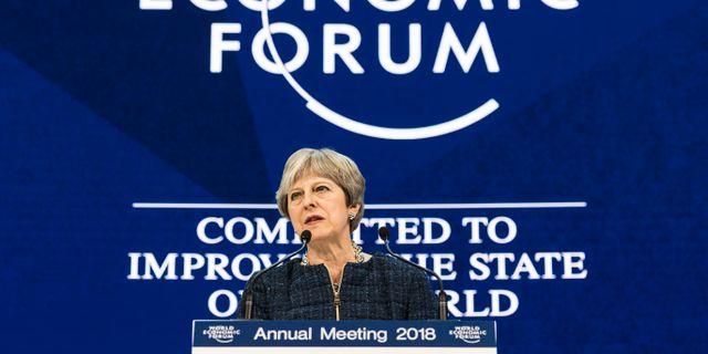Theresa May på Världsekonomiskt forum ifjol. Arkivbild.  Gian Ehrenzeller / TT NYHETSBYRÅN/ NTB Scanpix