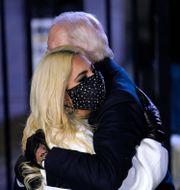 Lady Gaga och Joe Biden Andrew Harnik / TT NYHETSBYRÅN