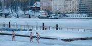 Bastubadande kvinnor i Helsingfors.  Joakim Ståhl/SvD/TT / TT NYHETSBYRÅN