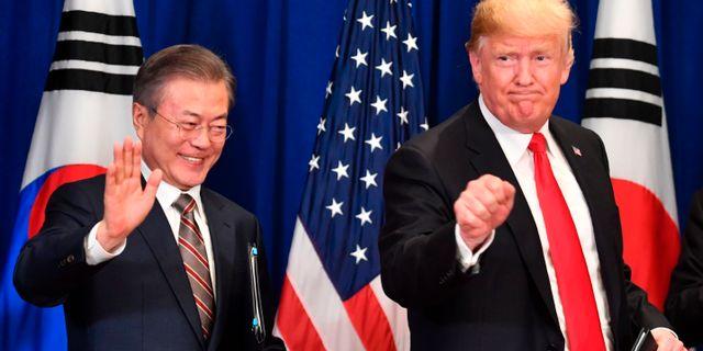 Moon och Trump. NICHOLAS KAMM / AFP