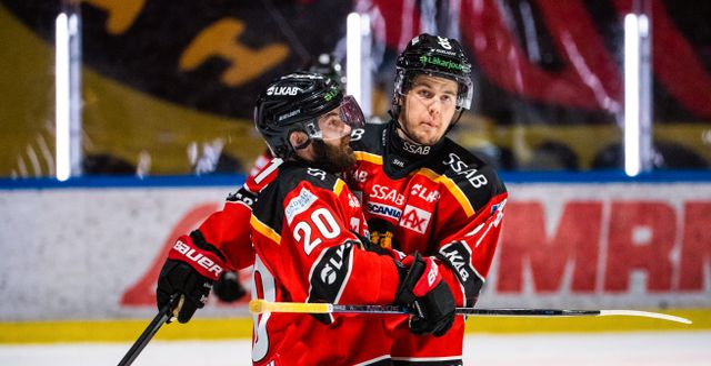 Luleås Jack Connolly och Filip Hållander.  SIMON ELIASSON / BILDBYRÅN