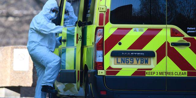 En ambulanssjukvårdare i London. DANIEL LEAL-OLIVAS / TT NYHETSBYRÅN
