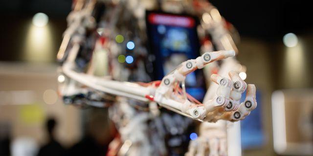 Rob's Open Source Android (ROSA) är byggd för att röra sig som en människa. Adam Wrafterl/SvD/TT