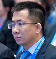 Zhang Yiming till höger. TT NYHETSBYRÅN