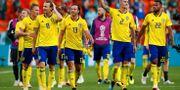 De svenska spelarna firar efter segern mot Mexiko JASON CAIRNDUFF / BILDBYR N