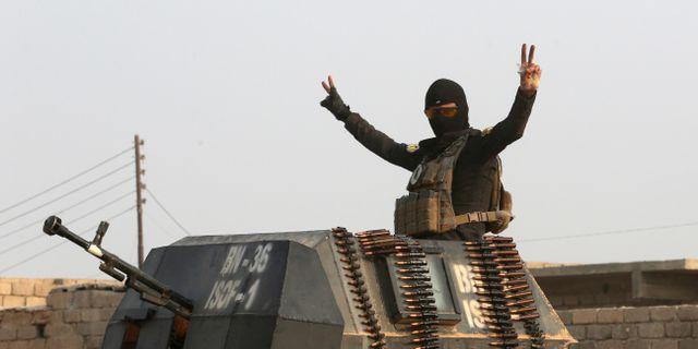 Irakisk soldat utanför Mosul, 25 oktober. Khalid Mohammed / TT NYHETSBYRÅN