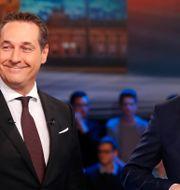 FPÖ:s partiledare Heinz-Christian Strache och ÖVP:s ledare Sebastian Kurz. LEONHARD FOEGER / TT NYHETSBYRÅN