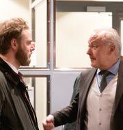 Journalisten Henrik Evertsson och hans advokat Johan Eriksson. Björn Larsson Rosvall/TT / TT NYHETSBYRÅN