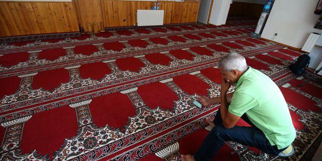 Ledaren för ett islamiskt center i moskén där Essati jobbade. ALBERT GEA / TT NYHETSBYRÅN
