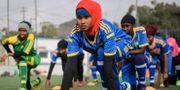 Spelarna från the Golden Girls Centre tränar i Somalias huvudstad Mogadishu. MOHAMED ABDIWAHAB / AFP