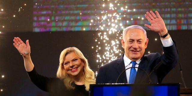 Benjamin Netanyahu och hans fru Sara. AMMAR AWAD / TT NYHETSBYRÅN