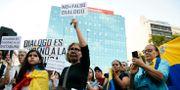 Venezuelaner i Uruguay demonstrerar för en intervention i hemlandet. Matilde Campodonico / TT NYHETSBYRÅN/ NTB Scanpix