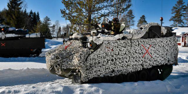En bandvagn under arméövningen Northern Wind i östra Norrbotten. Bilden har inget med olyckan att göra. Naina Helen Jåma / TT NYHETSBYRÅN