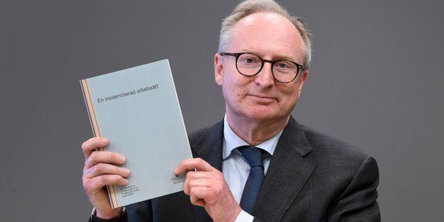 Utredaren Gudmund Toijer med utredningens förslag. Fredrik Sandberg/TT / TT NYHETSBYRÅN