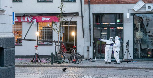 Polisens tekniker arbetar på platsen. Johan Nilsson/TT / TT NYHETSBYRÅN