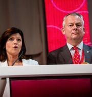Arkivbild på Göran Arrius, här tillsammans med nuvarande arbetsmarknadsminister Eva Nordmark (S). Vilhelm Stokstad/TT / TT NYHETSBYRÅN