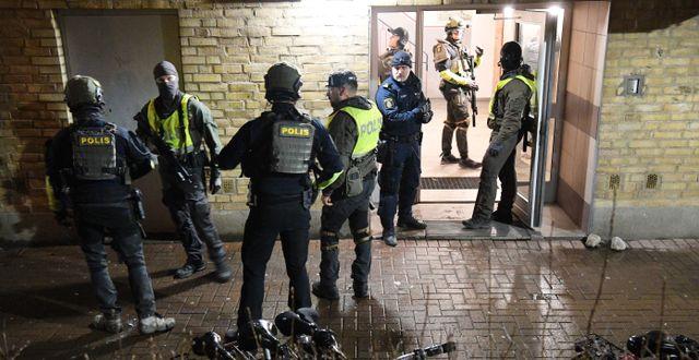Polisinsats vid skjutning i Malmö i februari. Johan Nilsson/TT / TT NYHETSBYRÅN