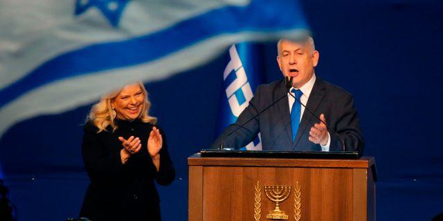 Benjamin Netanyahu firar segern.  GIL COHEN-MAGEN / TT NYHETSBYRÅN