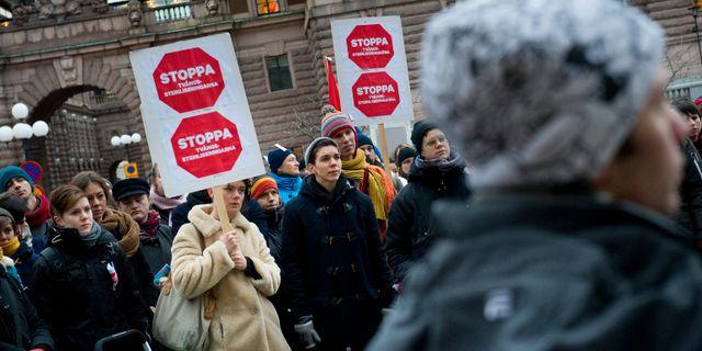 En demonstration mot tvångssteriliseringar 20012. Arkivbild. JONAS EKSTRÖMER / TT / TT NYHETSBYRÅN