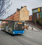 Stombusslinje 4 vid Hornstull på Södermalm i Stockholm. Claudio Bresciani/TT / TT NYHETSBYRÅN