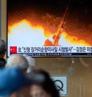 Arkivbild: Nordkorea testade en ny typ av långdistansrobotar under helgen.  Lee Jin-man / TT NYHETSBYRÅN